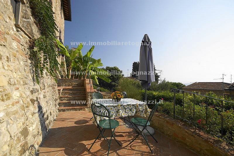 Appartamento in vendita a Barberino Val d'Elsa, 3 locali, prezzo € 240.000 | CambioCasa.it