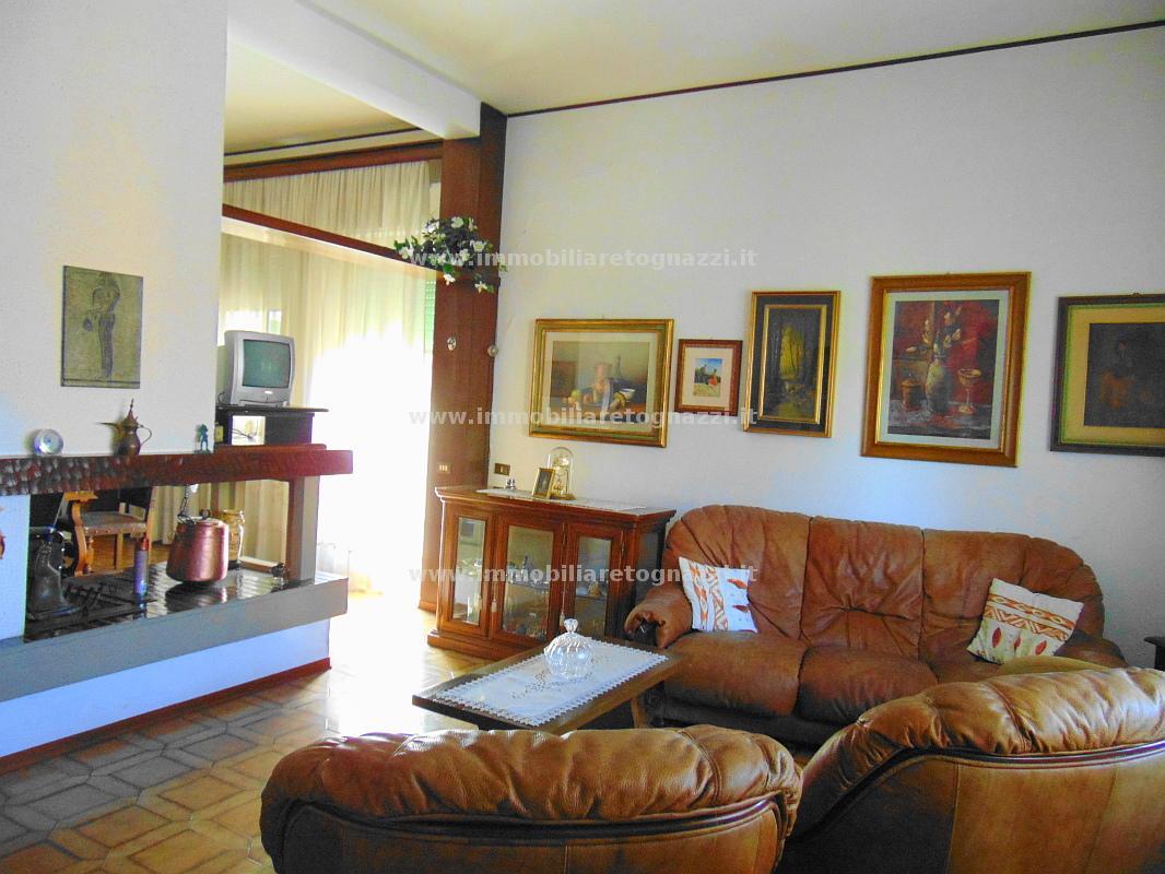 Appartamento in vendita a Certaldo, 5 locali, prezzo € 200.000 | Cambio Casa.it