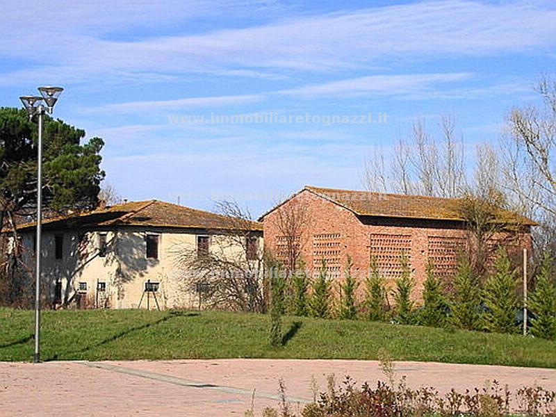 Rustico / Casale in Vendita a Castelfiorentino