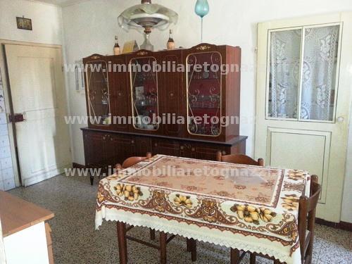 Appartamento in vendita a Montaione, 4 locali, prezzo € 55.000 | Cambio Casa.it