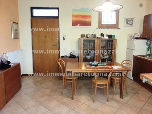 Appartamento in vendita a Montaione, 2 locali, prezzo € 112.000 | Cambio Casa.it