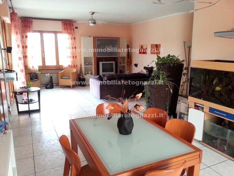 Appartamento in vendita a Certaldo, 5 locali, prezzo € 250.000 | Cambio Casa.it