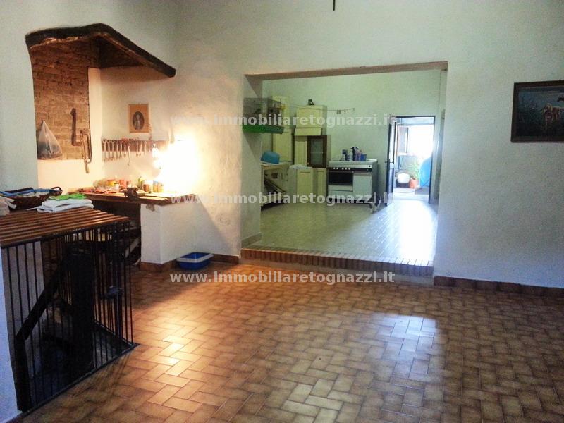 Immobile Commerciale in vendita a Certaldo, 3 locali, prezzo € 150.000 | Cambio Casa.it