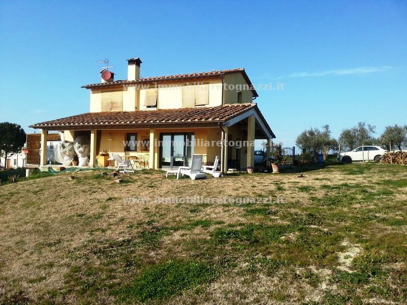 Rustico / Casale in vendita a Montespertoli, 6 locali, prezzo € 500.000 | CambioCasa.it