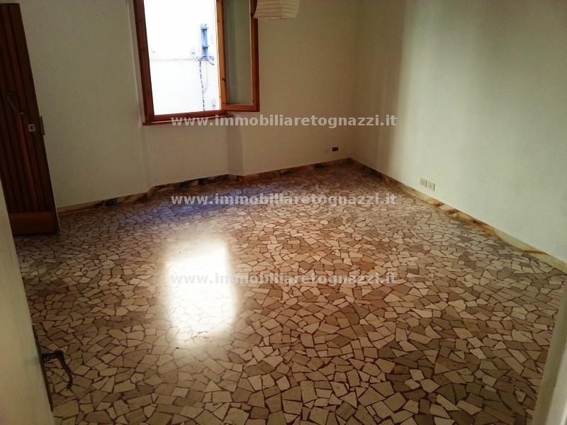 Appartamento in vendita a Castelfiorentino, 4 locali, prezzo € 120.000   Cambio Casa.it