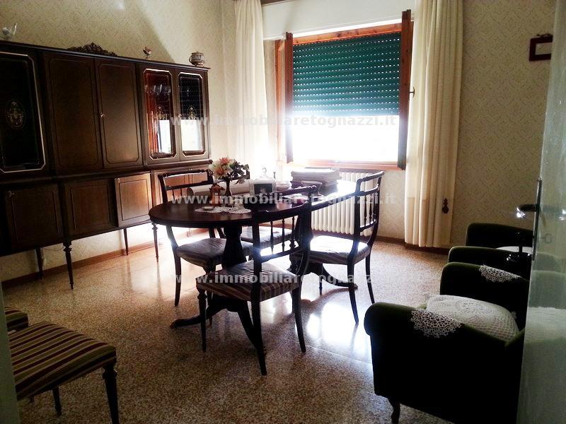 Appartamento in vendita a Certaldo, 4 locali, prezzo € 150.000 | Cambio Casa.it