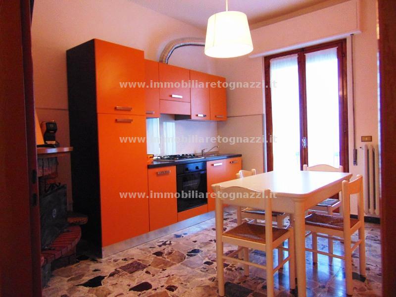 Appartamento in vendita a Gambassi Terme, 4 locali, prezzo € 115.000 | Cambio Casa.it