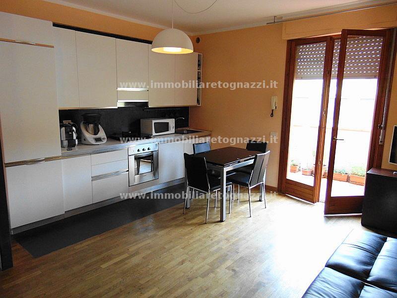 Appartamento in vendita a Montaione, 3 locali, prezzo € 150.000 | CambioCasa.it