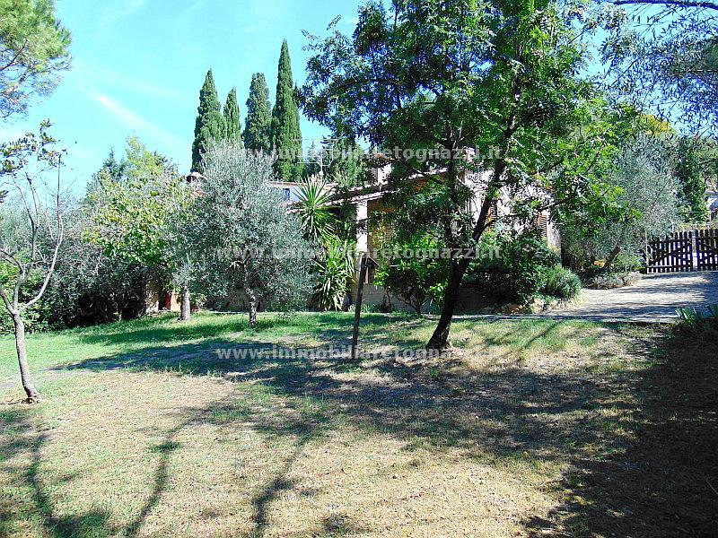 Villa in vendita a Montaione, 5 locali, prezzo € 350.000   CambioCasa.it