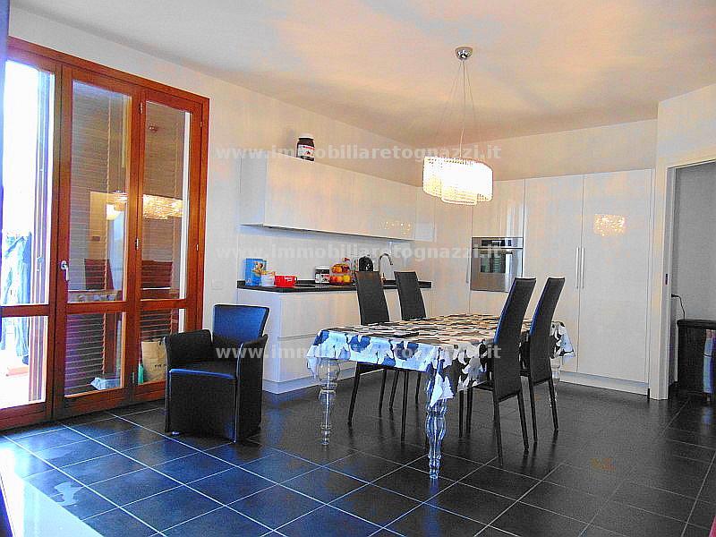 Appartamento in vendita a Gambassi Terme, 4 locali, prezzo € 180.000 | Cambio Casa.it