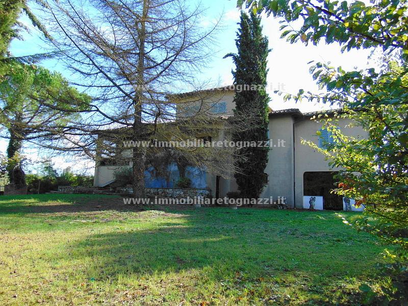 Villa in Vendita a Radda in Chianti