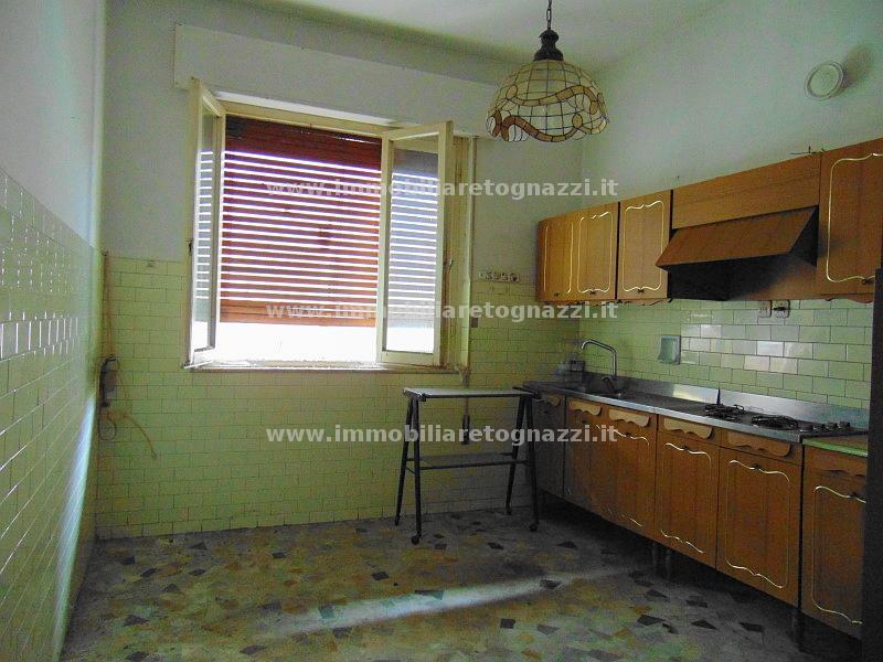 Appartamento in vendita a Certaldo, 3 locali, prezzo € 70.000 | CambioCasa.it