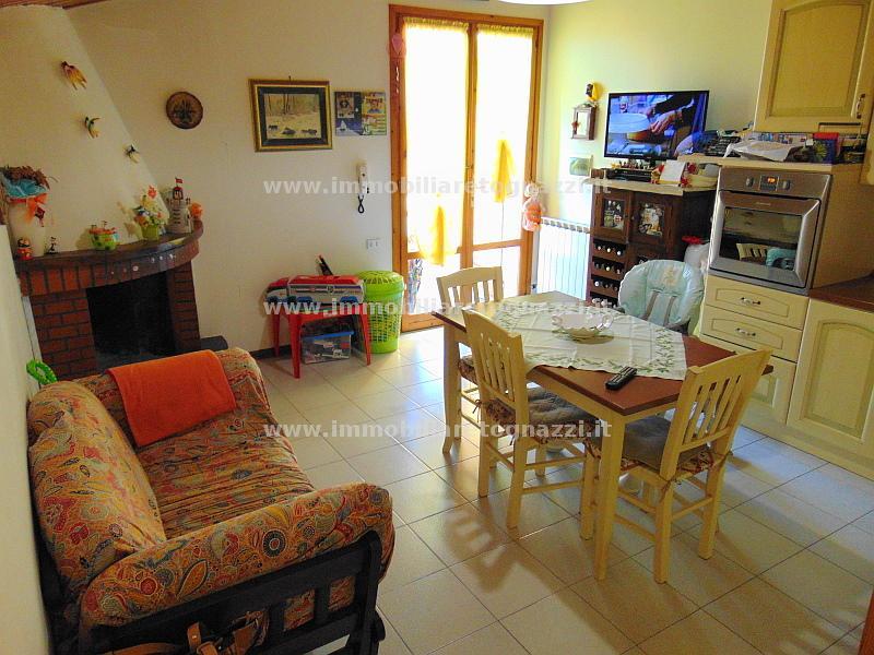 Appartamento in vendita a Gambassi Terme, 3 locali, prezzo € 120.000 | Cambio Casa.it