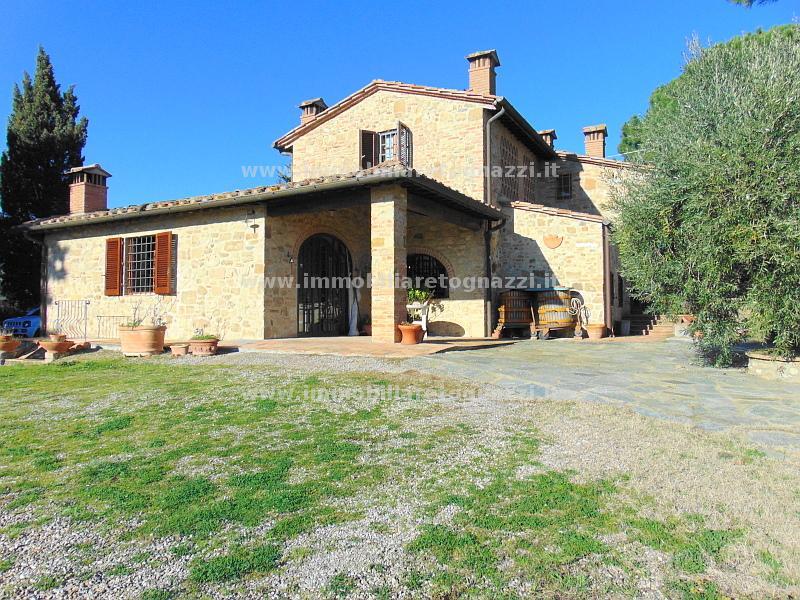 Rustico / Casale in vendita a Certaldo, 9 locali, prezzo € 585.000 | CambioCasa.it