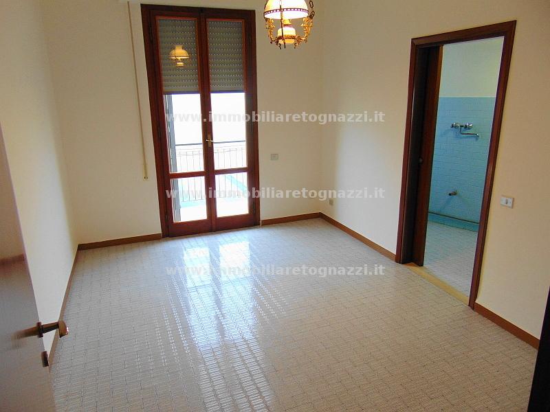 Appartamento in vendita a Certaldo, 4 locali, prezzo € 125.000   Cambio Casa.it