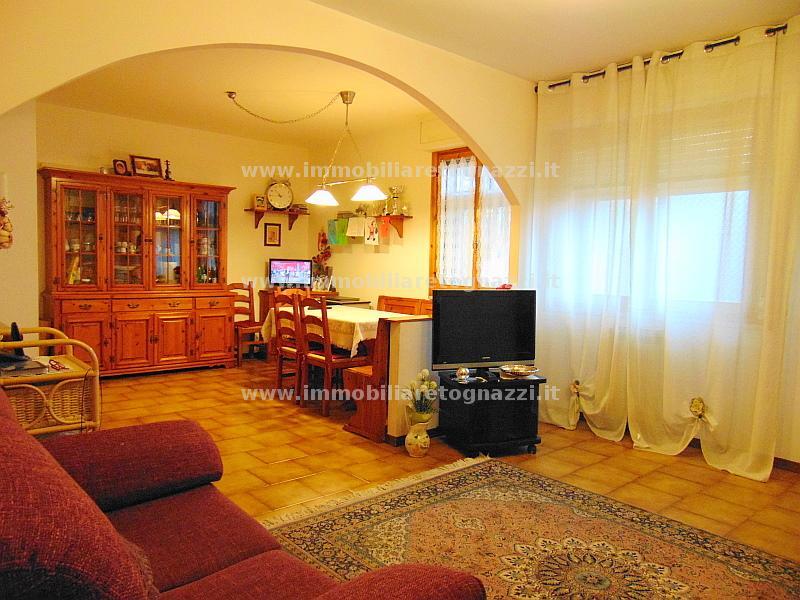 Appartamento in vendita a Certaldo, 4 locali, prezzo € 140.000 | CambioCasa.it