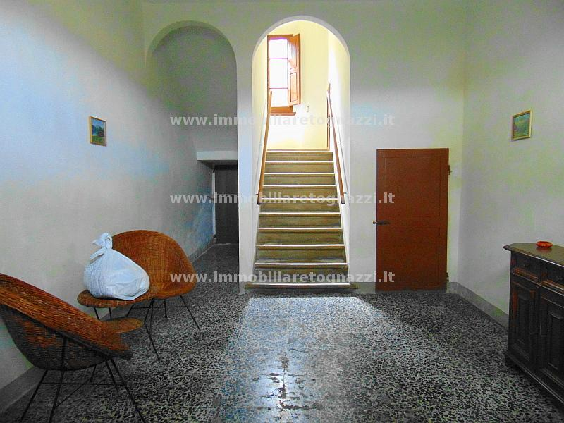 Villa in vendita a Certaldo, 5 locali, prezzo € 370.000 | CambioCasa.it