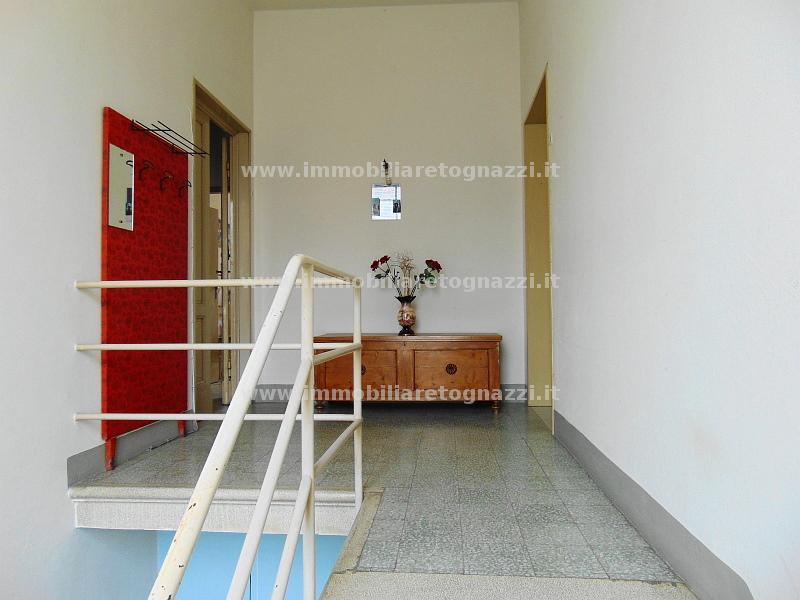 Palazzo / Stabile in vendita a Castelfiorentino, 7 locali, prezzo € 370.000 | CambioCasa.it