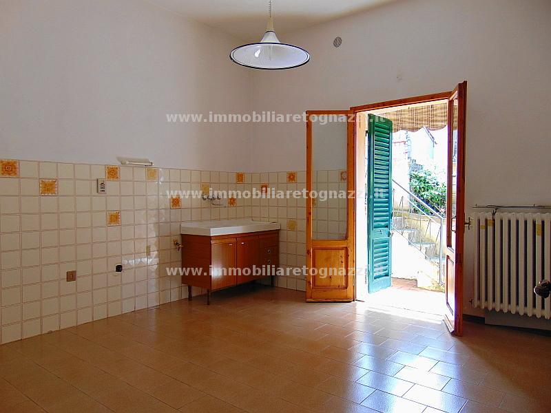 Villa in vendita a Certaldo, 4 locali, prezzo € 158.000 | Cambio Casa.it