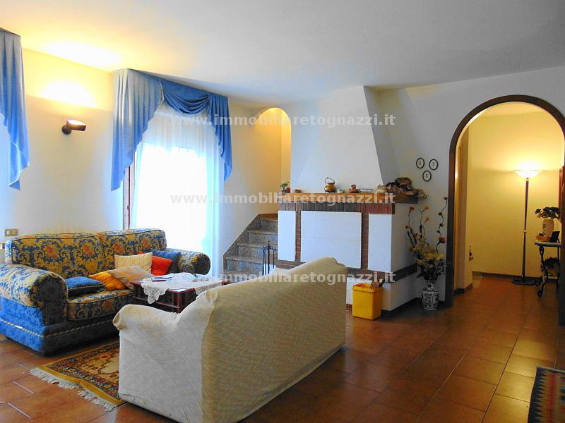 Appartamento in vendita a Certaldo, 6 locali, prezzo € 295.000 | CambioCasa.it