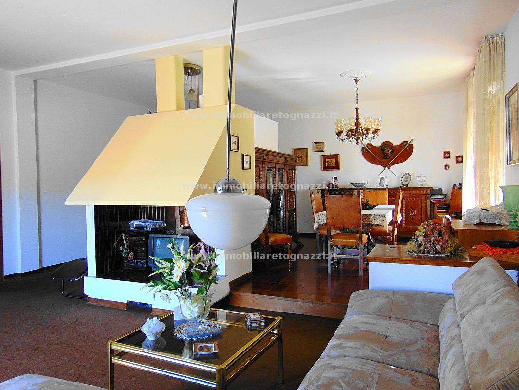 Palazzo / Stabile in vendita a Certaldo, 10 locali, prezzo € 500.000 | Cambio Casa.it