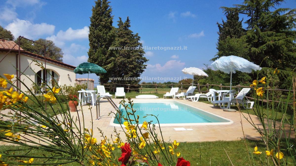 Villa a Schiera in Vendita a Gambassi Terme