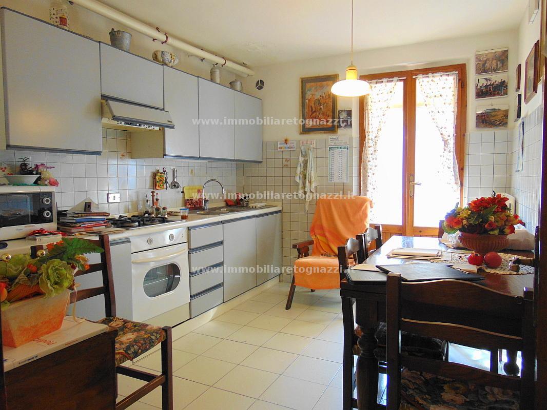Appartamento in vendita a Certaldo, 3 locali, prezzo € 110.000 | CambioCasa.it