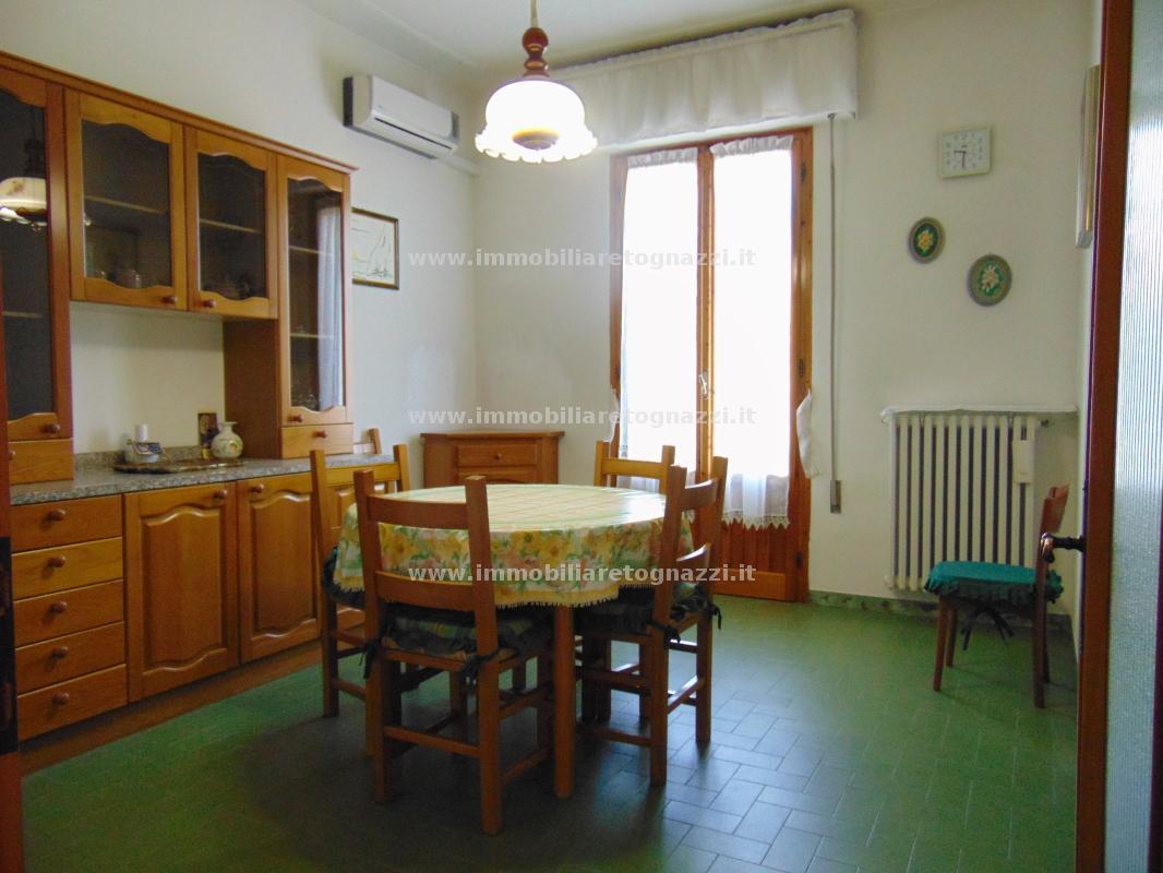 Appartamento in vendita a Certaldo, 6 locali, prezzo € 175.000 | Cambio Casa.it