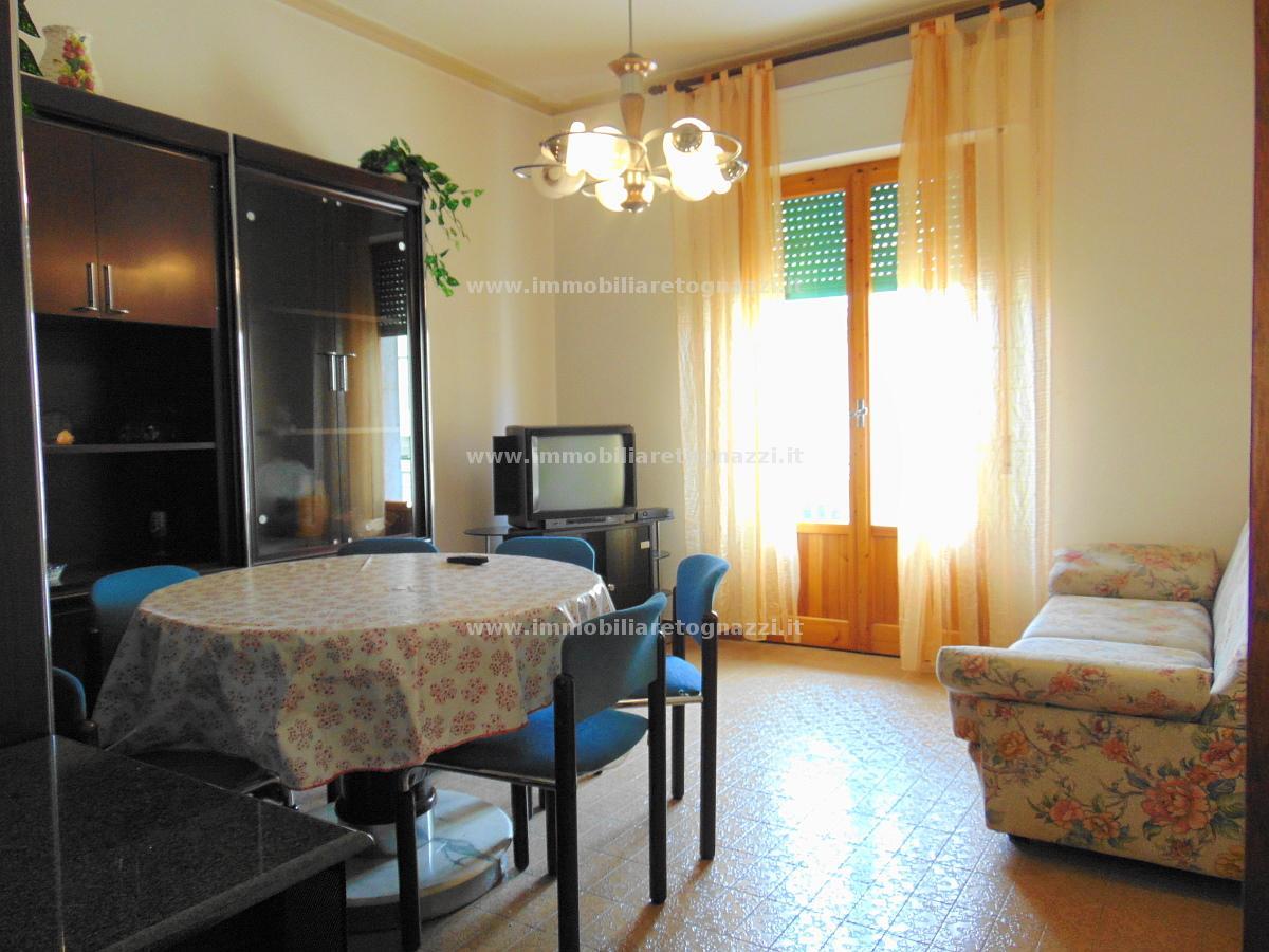 Appartamento in vendita a Certaldo, 4 locali, prezzo € 160.000 | Cambio Casa.it