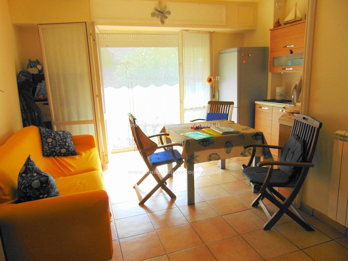 Appartamento in vendita a San Vincenzo, 3 locali, prezzo € 169.000 | CambioCasa.it