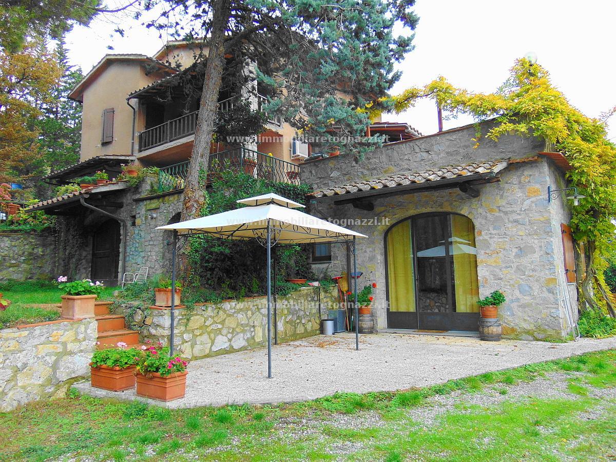 Villa a Schiera in Vendita a Castellina in Chianti