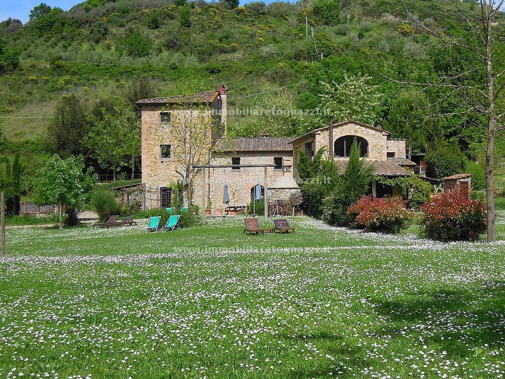 Rustico / Casale in vendita a Montaione, 8 locali, prezzo € 800.000 | Cambio Casa.it