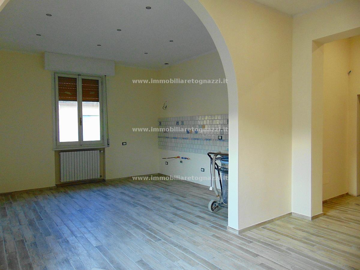 Appartamento in vendita a Castelfiorentino, 4 locali, prezzo € 160.000 | Cambio Casa.it