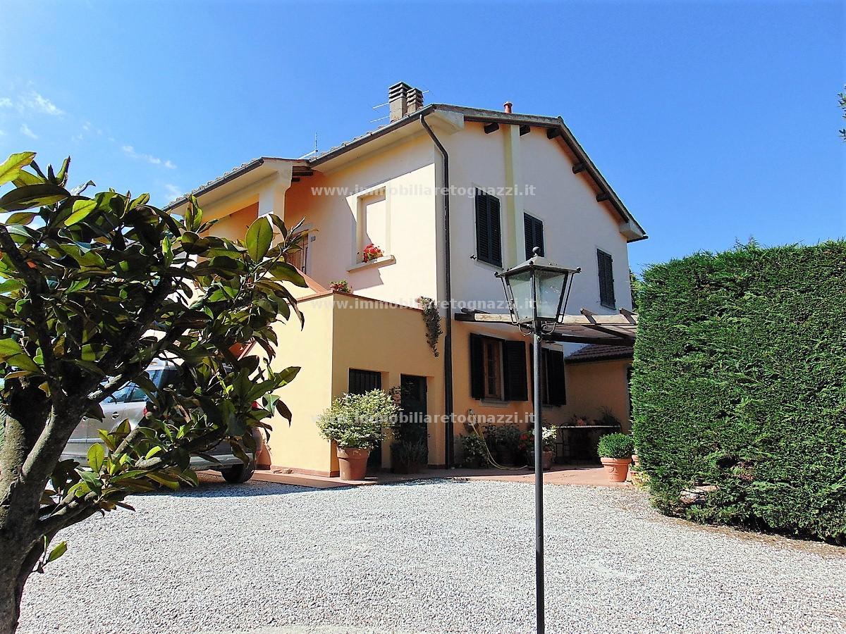 Rustico / Casale in vendita a Barberino Val d'Elsa, 7 locali, prezzo € 540.000 | CambioCasa.it
