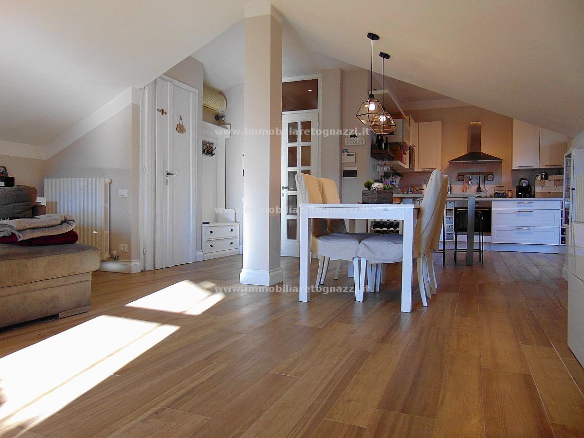Appartamento in vendita a Certaldo, 5 locali, prezzo € 245.000 | Cambio Casa.it