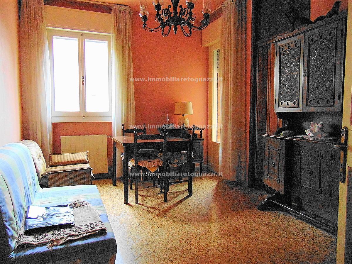 Appartamento in vendita a Certaldo, 5 locali, prezzo € 145.000 | CambioCasa.it