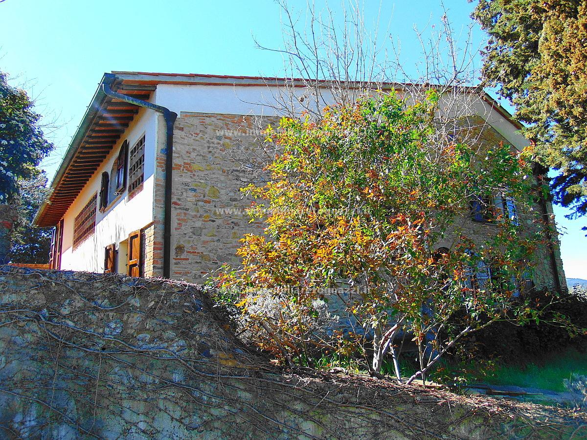 Full content: Rustic / Farmhouse / Court Sell - San Gimignano (SI) - Code 17036