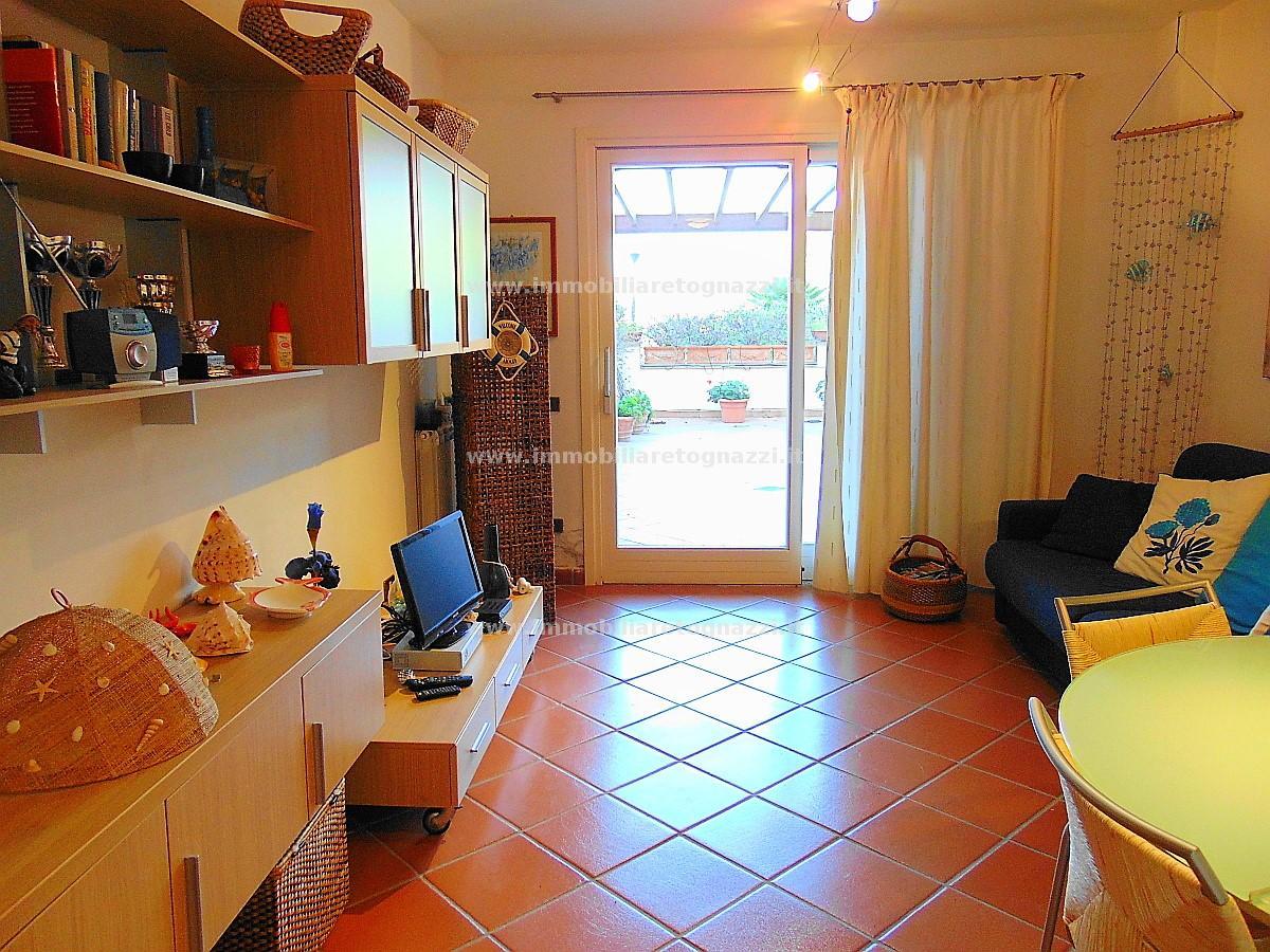Appartamento in vendita a Castiglione della Pescaia, 2 locali, prezzo € 320.000 | CambioCasa.it