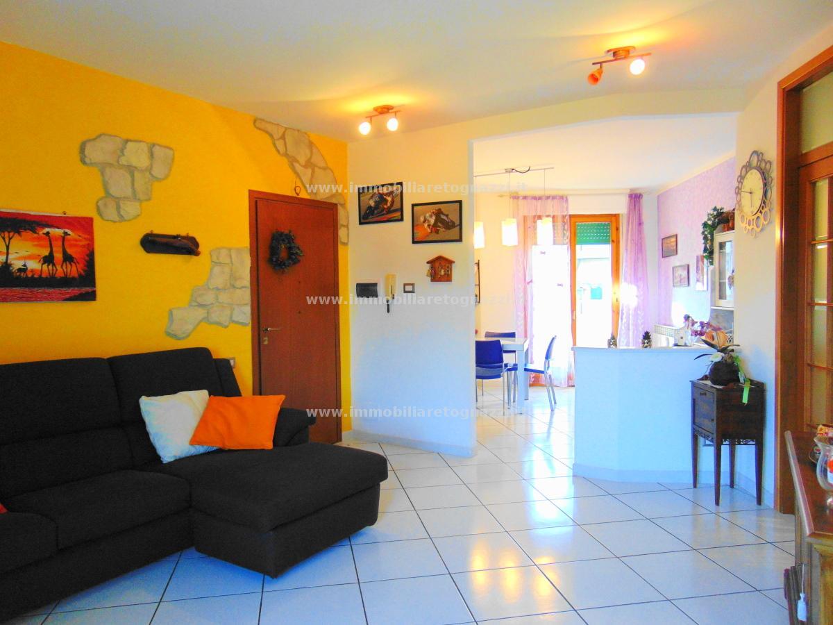 Appartamento in vendita a Certaldo, 4 locali, prezzo € 197.000 | CambioCasa.it