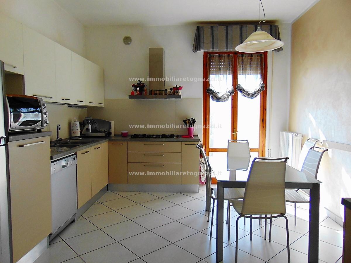 Appartamento in vendita a Castelfiorentino, 4 locali, prezzo € 135.000 | CambioCasa.it