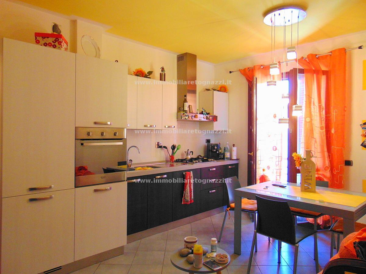 Appartamento in vendita a Gambassi Terme, 3 locali, prezzo € 140.000 | CambioCasa.it