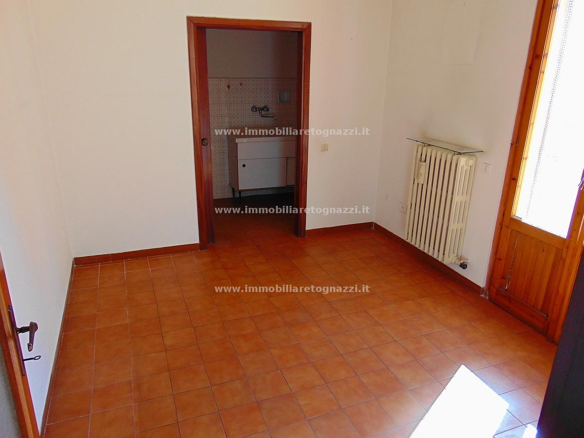 Appartamento in vendita a Certaldo, 4 locali, prezzo € 119.000 | CambioCasa.it