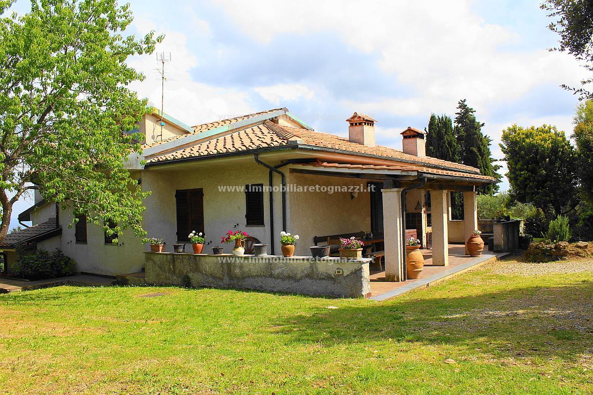 Villa in vendita a Gambassi Terme, 7 locali, prezzo € 550.000 | Cambio Casa.it