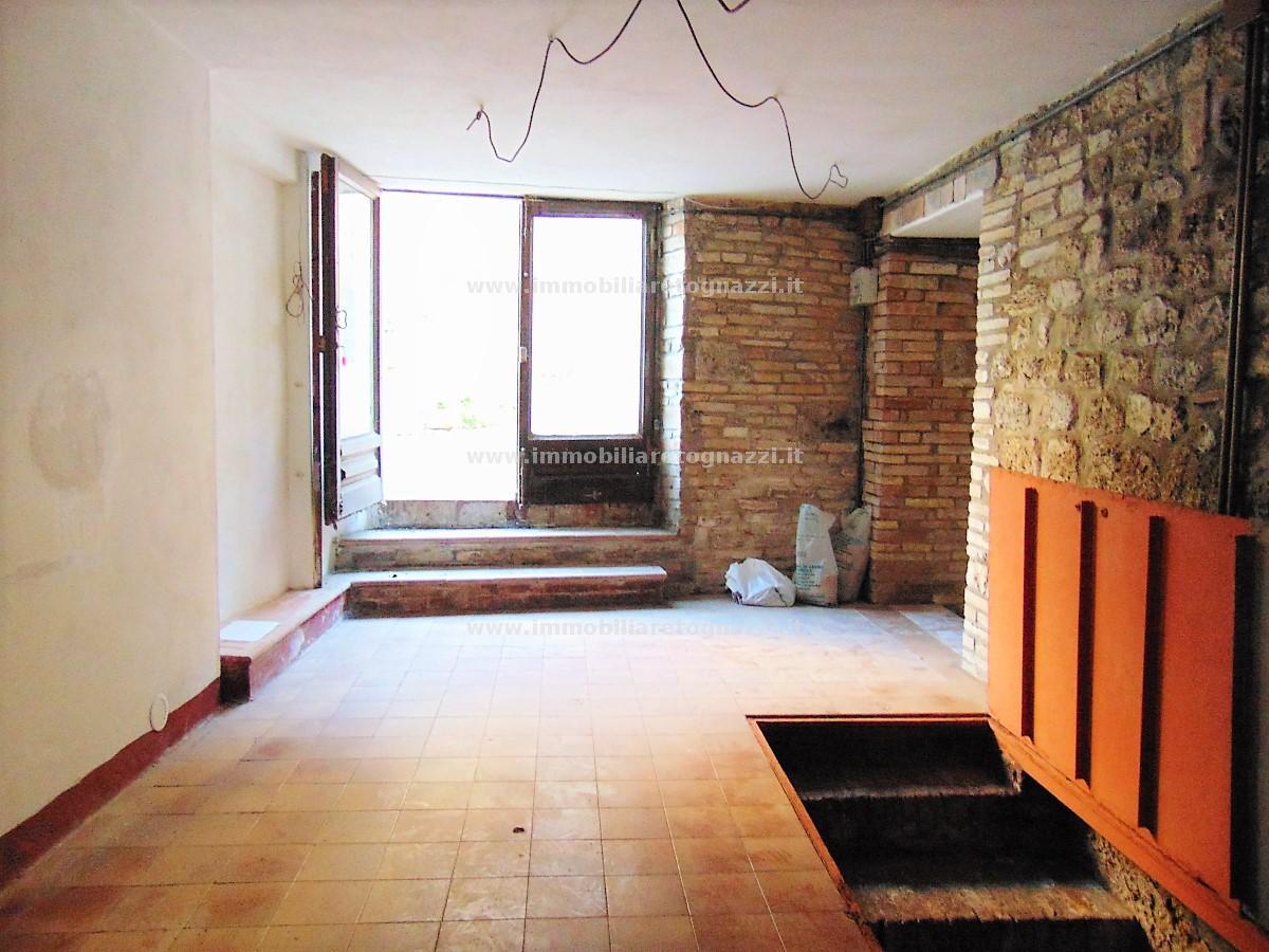 Vai alla scheda: Locale Commerciale Vendita - San Gimignano (SI) - Codice -17094