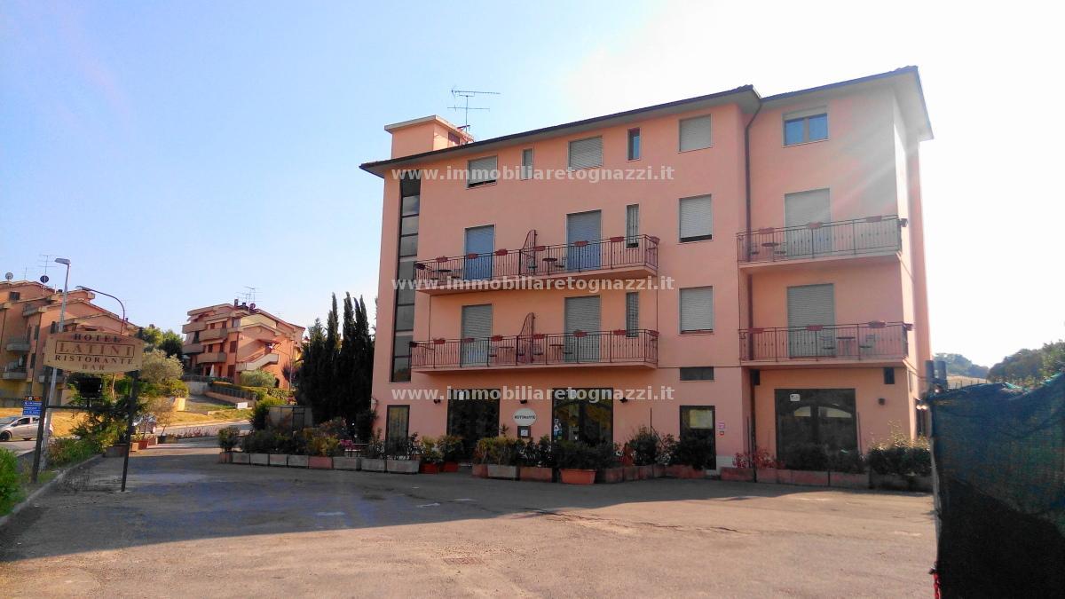 Vai alla scheda: Albergo / Hotel Vendita - San Gimignano (SI) - Codice -UN181116