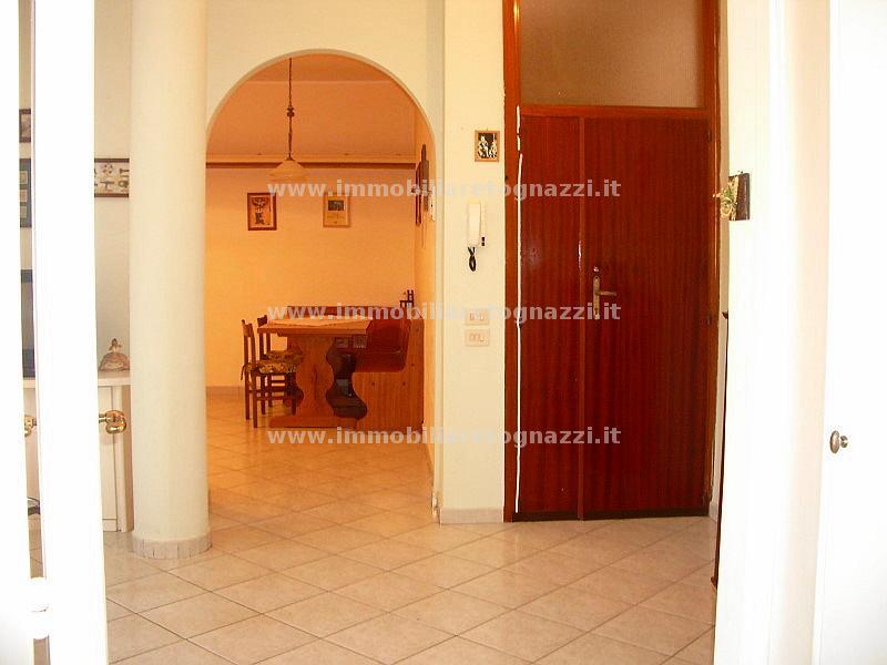 Appartamento in vendita a San Gimignano, 4 locali, prezzo € 178.000 | Cambio Casa.it