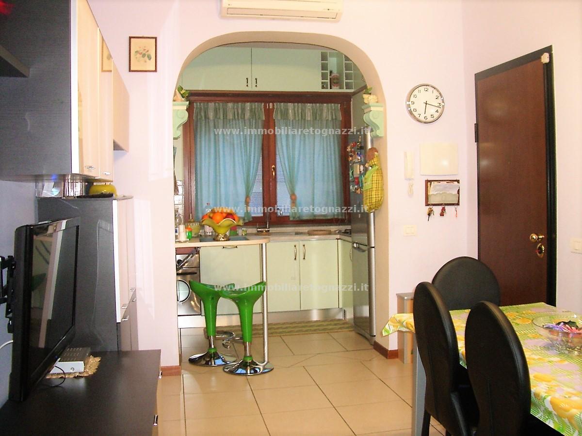 Appartamento in vendita a Certaldo, 3 locali, prezzo € 140.000 | CambioCasa.it