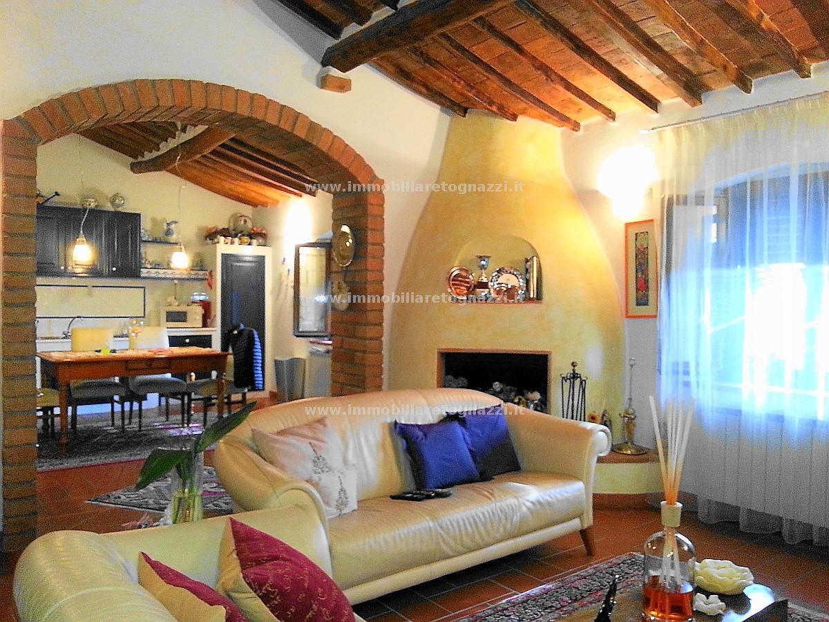 Appartamento in vendita a San Gimignano, 6 locali, prezzo € 270.000 | Cambio Casa.it