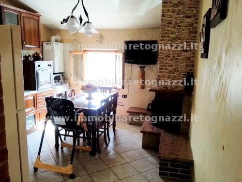 Appartamento in vendita a Gambassi Terme, 4 locali, prezzo € 160.000   Cambio Casa.it
