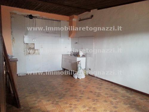 Appartamento in vendita a Gambassi Terme, 3 locali, prezzo € 60.000 | Cambio Casa.it